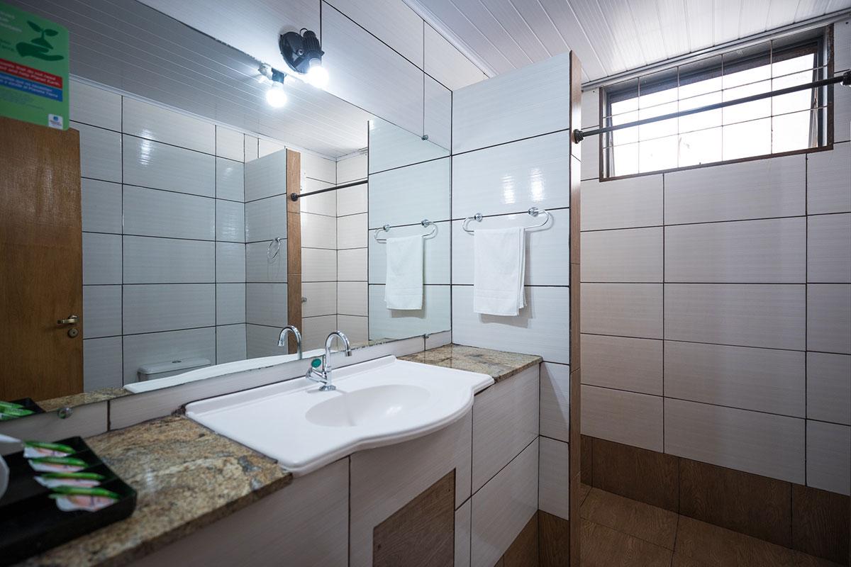 Exemplo de banheiro da suíte duplo luxo.